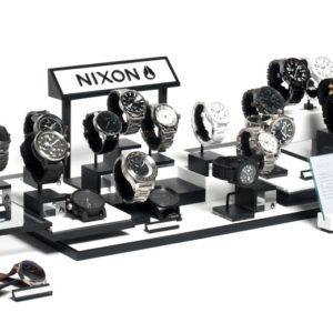 DCA - Nixon - présentoir montres